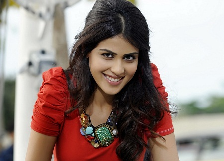 Genelia D Souza Is One Of The Prettiest Faces In The Tamil Movie Industry She Has Been A Popular Commercial Model Who Did An Ad With Superstar Amitabh