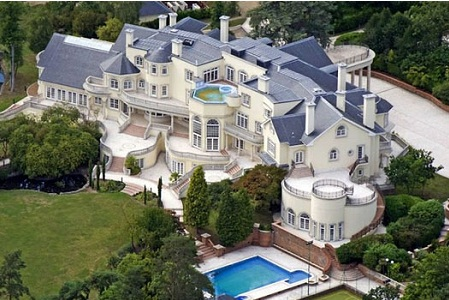 next on the list of the biggest houses in the world in 2015 is the californian style updown court in windlesham village of surrey in england