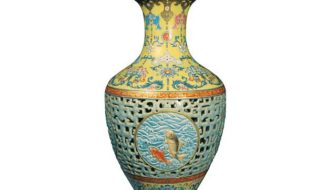 Vase of Qing Dynasty