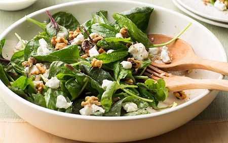 Leafy Salad with Walnuts