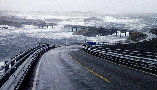 The Atlantic Ocean, Road in Norway
