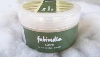 Fabindia Clove Cream for Acne Control