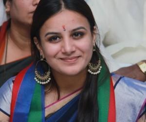 Pooja Gandhi Wiki, Age, Height, Biography, Boyfriend, Net Worth