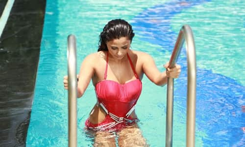 Daisy Shah Is Another Popular Actress On Our List Who Dared To Do A Photoshoot In A Bikini And This Actress Started Her Career With The Movie Humko Deewana